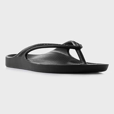 A single Lightfeet Arch Support Thong in Black